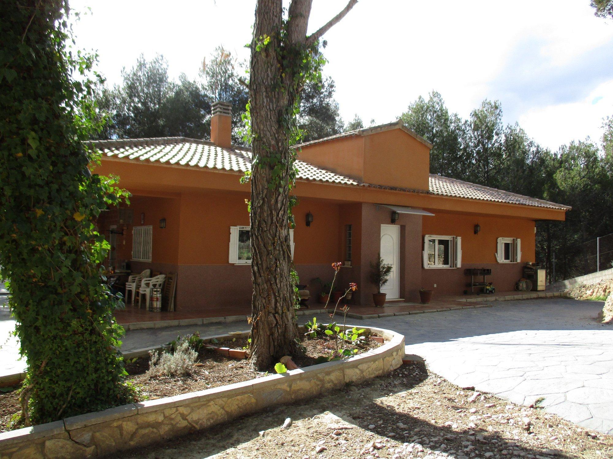 Ref:A10882 Villa For Sale in ALCOY