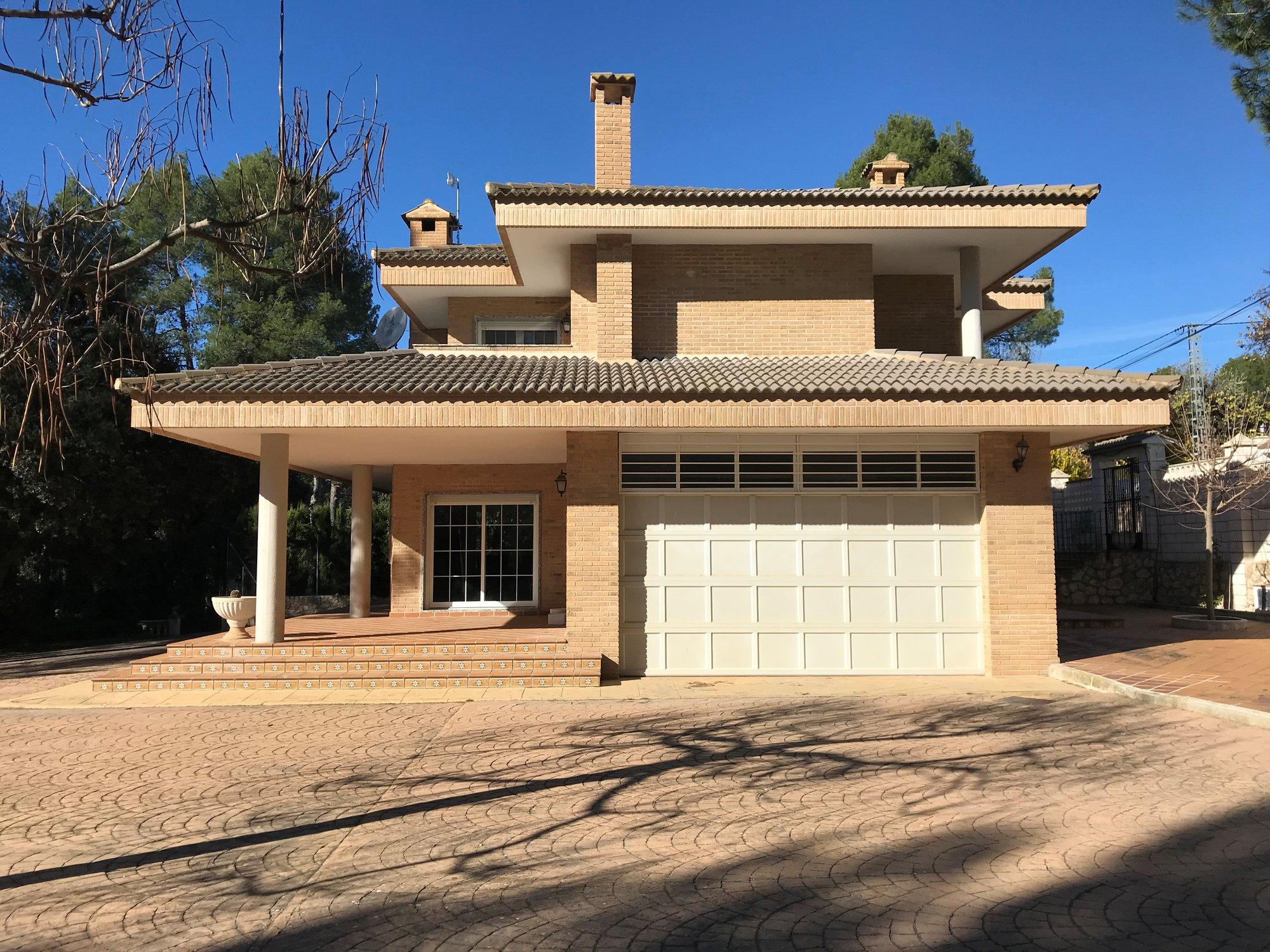 Ref:A16588 Villa For Sale in ALCOY