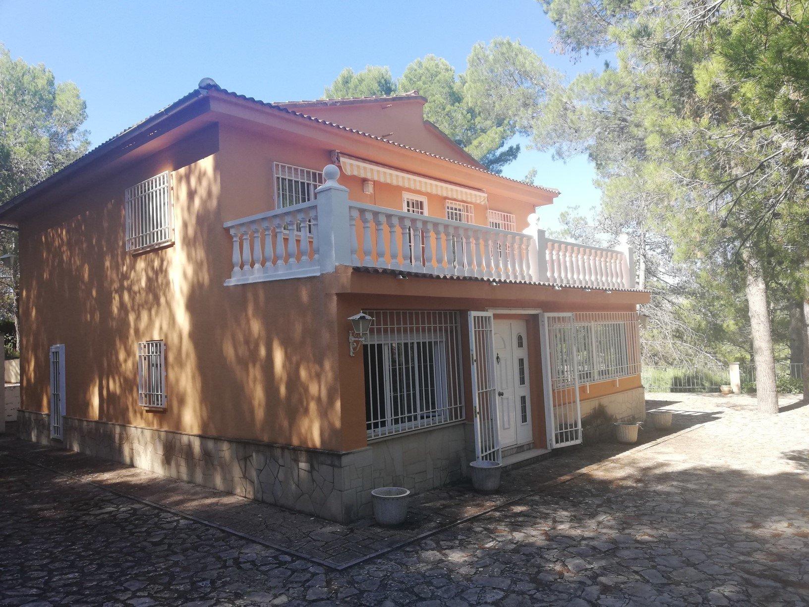 Ref:A17207 Villa For Sale in ALCOY