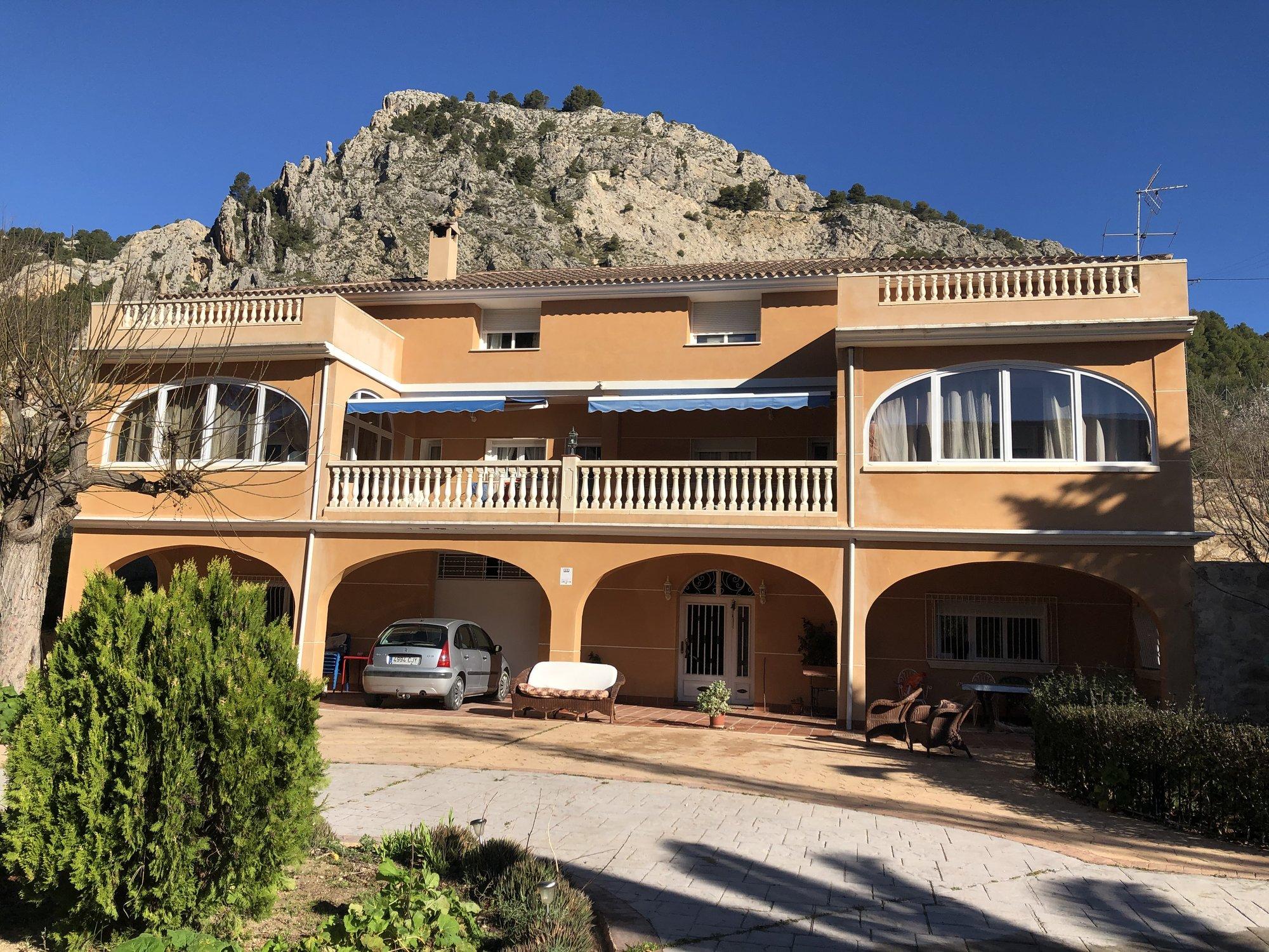 Ref:A17561 Villa For Sale in ALCOY