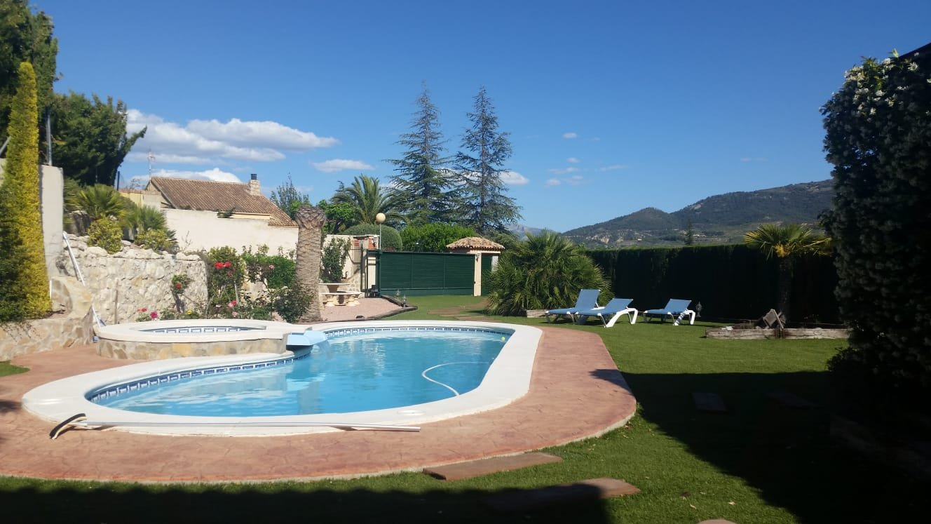 Ref:A16597 Villa For Sale in COCENTAINA