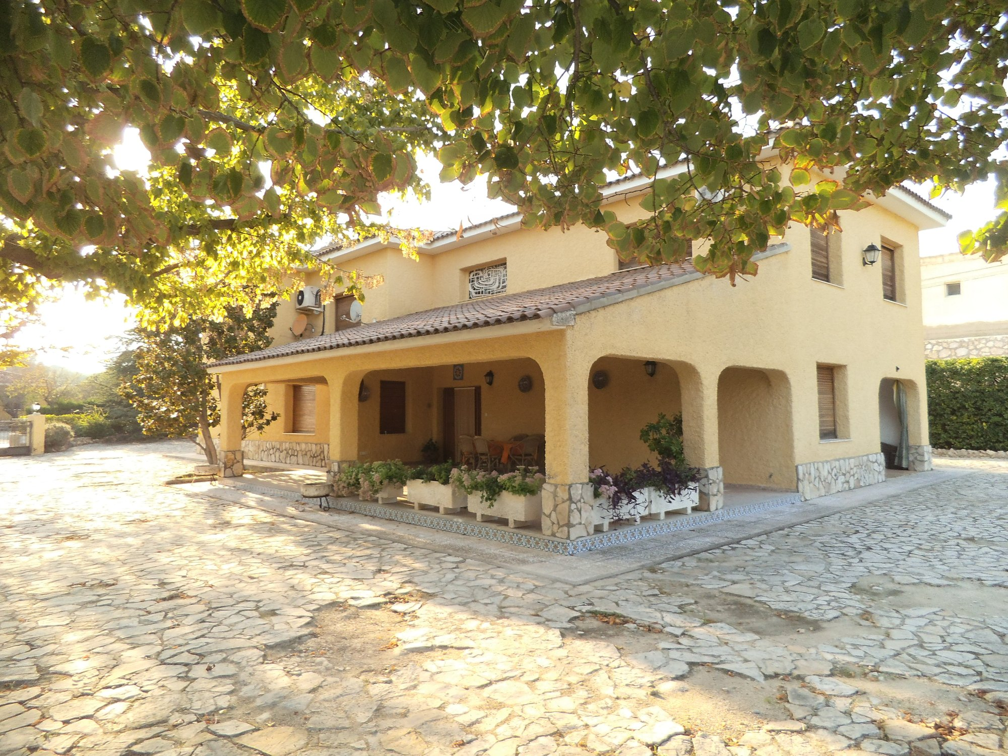 Ref:O11263 Villa For Sale in ONTINYENT