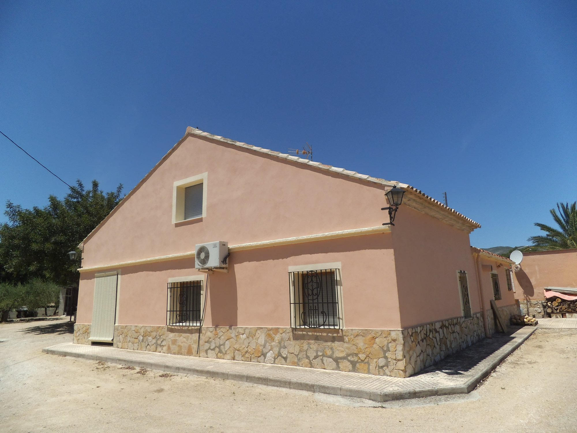 Ref:O6688 Villa For Sale in ONTINYENT