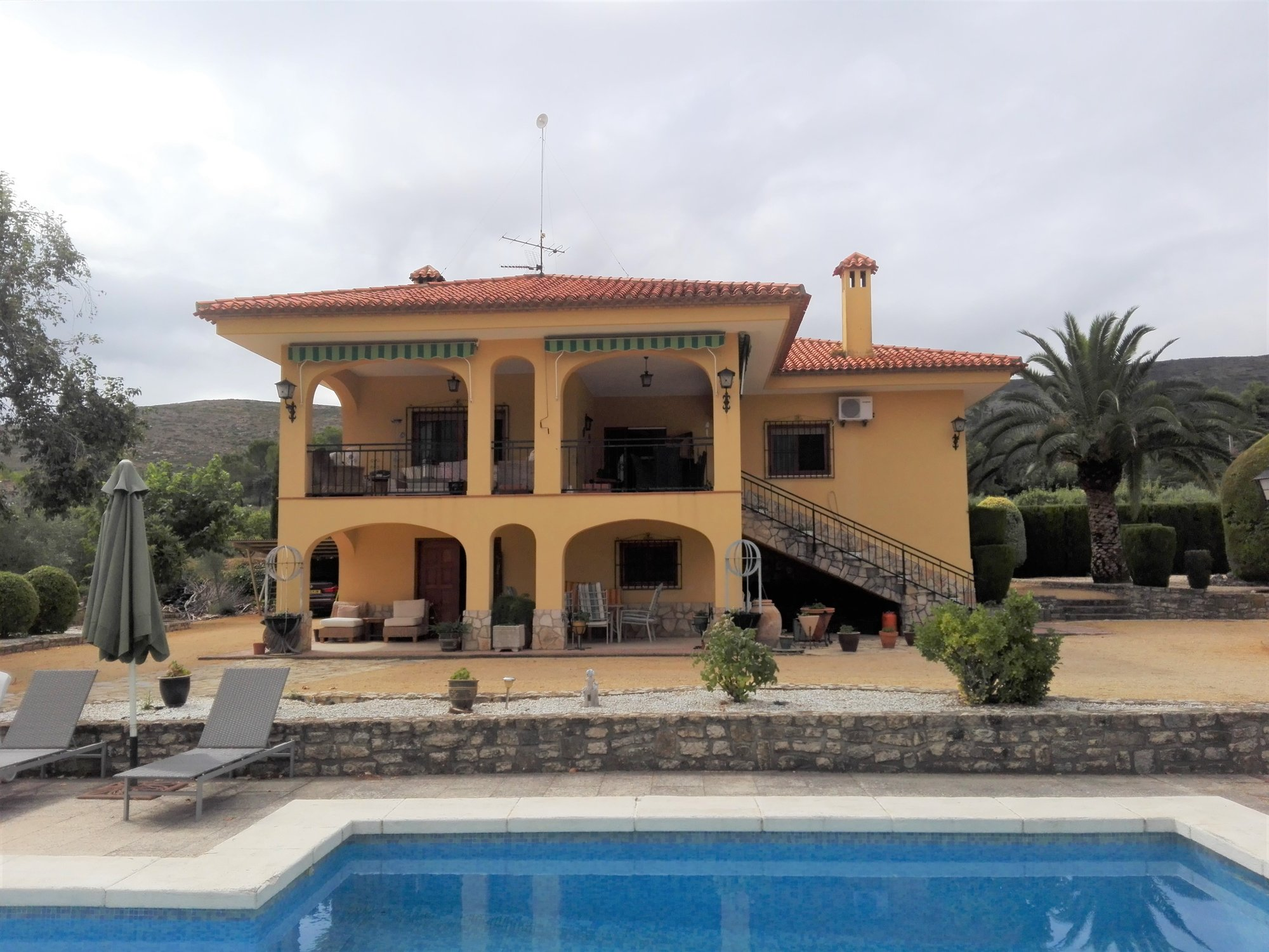 Ref:O9437 Villa For Sale in ONTINYENT